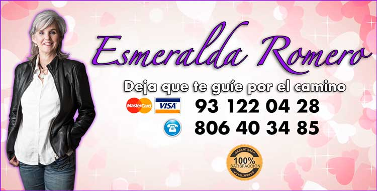 tirada de tarot con tarotista Esmeralda Romero